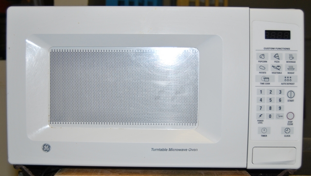 Mclemore Auction Company Llc Turntable In Ge Microwave Stopped Turning Fixya Oven Ovens Model Jes738wj02