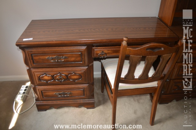 Used Sumter Cabinet Company Dining Room Set